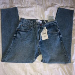 Zara Mid Rise Ankle Length Light Wash Jeans 4